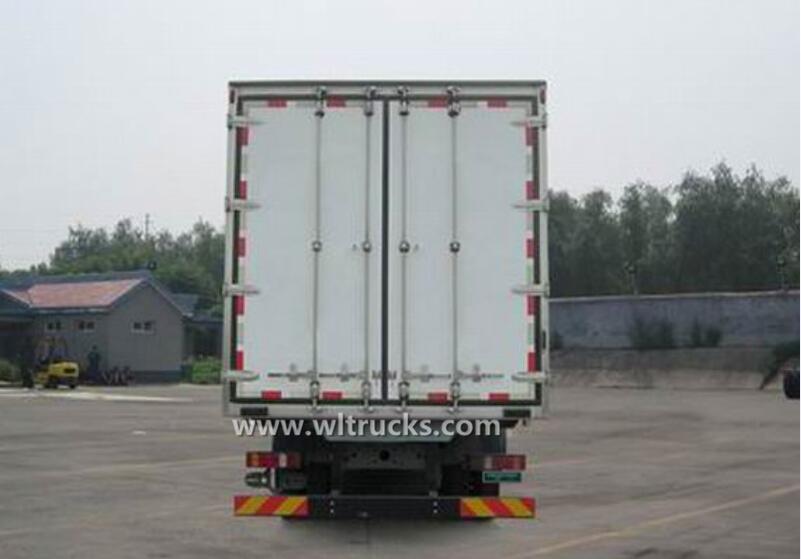 12 tire Sino SITRAK 9.6m frozen food truck
