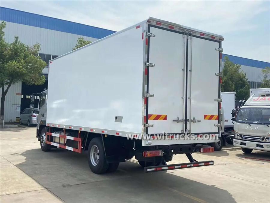 Foton 6.8m door refrigerator truck