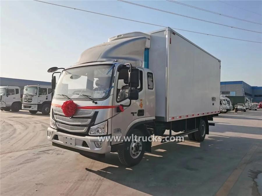 Foton Aumark 5 ton refrigerated truck for milk