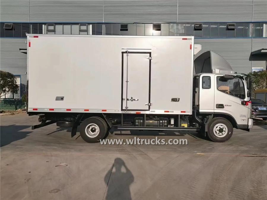 Foton Aumark 5mt refrigerated transport vehicle