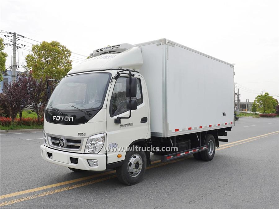 Foton Ollin 6 tonne meat hook refrigerator truck