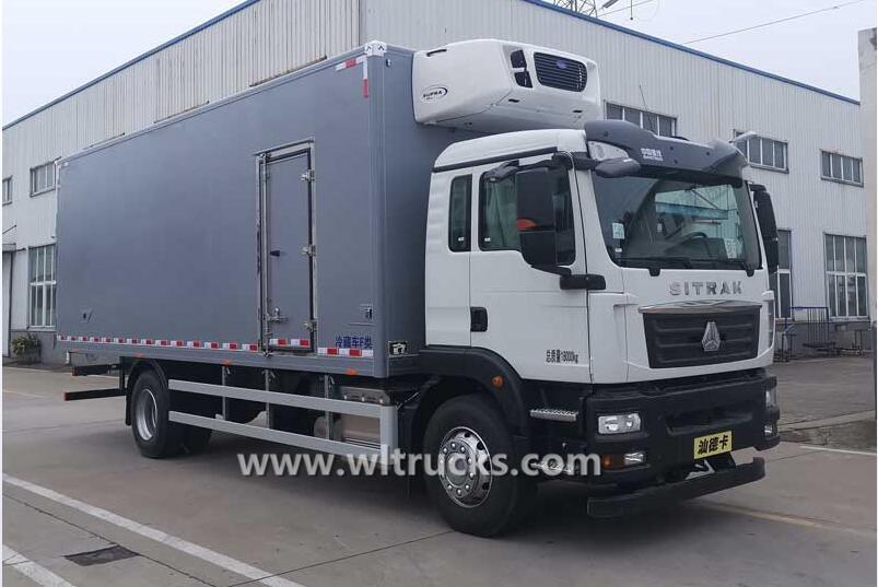 Sinotruk SITRAK 15 ton froyo food truck