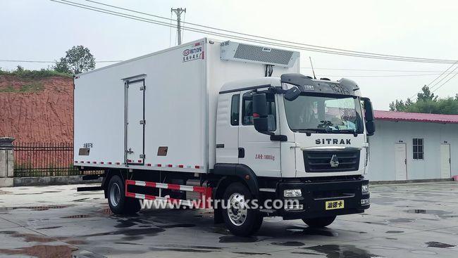 Sinotruk SITRAK 45m3 reefer box truck
